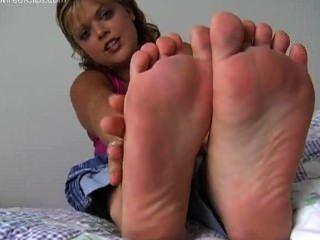 Anna Size 9 Feet