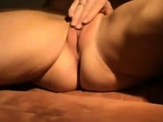 Amateur Girl Rubbing Her Pussy On Webcam