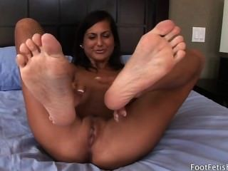Foot Fetish Daily - Cassidy Morgan Footjob