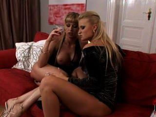 [smoking Fetish] 2 Blondes Blow A Guys
