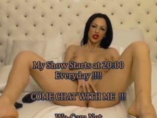 Very Hot Brunette Bigtits Webcam Show