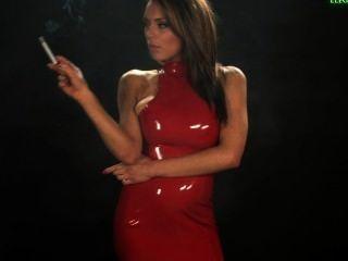 Jenna Smokes