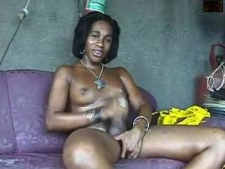 Black Tgirl Working Her Pipe