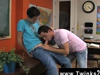 Hot Gay Sex Taking It In The Can Will Drive Him Nasty With