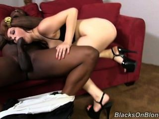 Noelle Easton Blacks On Blondes