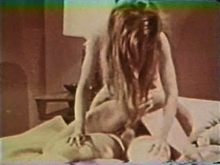 Peepshow Loops 324 1970s - Scene 2