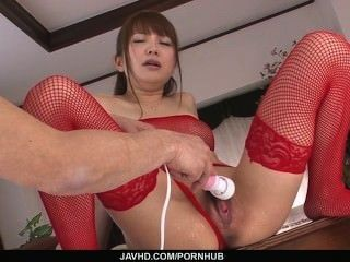 Maomi Nakazawa´s Teen Pussy Gets An Asian Finger Bang