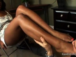 Megan Vaughn Gets Toes Kissed And Pussy Eaten