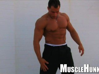 Bodybuildermusclesolo9