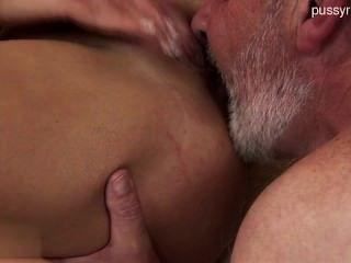 Gorgeous Teenie Penis Sucking