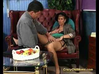 Old Babe Fucking And Sucking An Old Cock Taking Cum