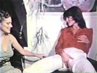 Lesbian Peepshow Loops 612 70s And 80s - Scene 3