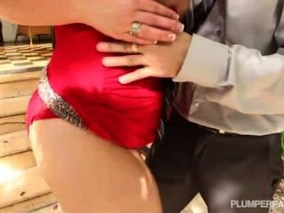 Plump Milf Takes Big Cock Deep In Her Ass
