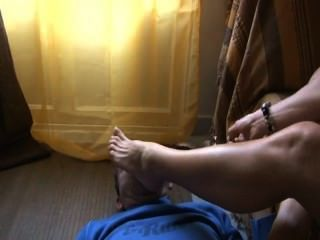 Mistress Maeva - Foot Worship