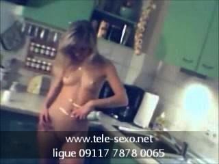 Amadoras Very Sexy Blonde Babe Stripping tele-sexo.net 09117 7878 0065