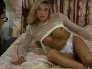 Blonde Bodybuilding Woman Sucks And Fucks