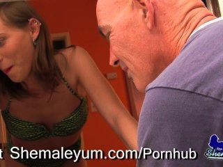 Pool Guy Fucks Ts Sienna Grace