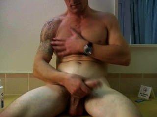Str8 Aussie Bloke Brett - Sexy Man, Huge Balls!