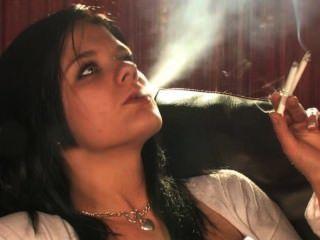 Jamie Smoking Fetish Babe