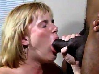 Белая девушка с черным парнем (не полная версия...)