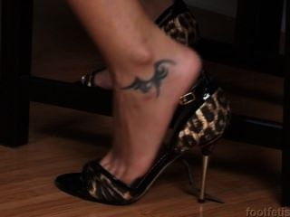 Foot Fetish Hd - August Knight Foot Tease