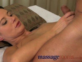 Massage Rooms Multiple Orgasms For Horny Girls From Expert Pussy Licking