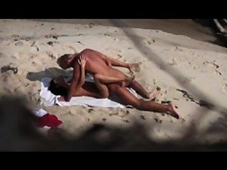 Voyeur On The Beach 4