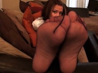 Milf Nikki Funky Ass Feet In Sweaty Nylons