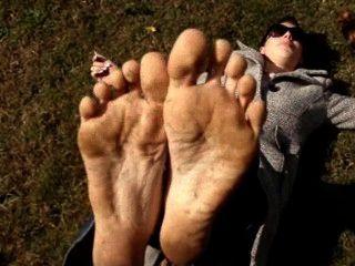 Marilyn Dirty Feet Outdoors
