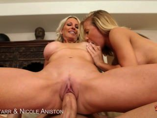 Emma Starr & Nicole Aniston In Threesome