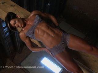 Allison Moyer Hot Fitness Model Flexing