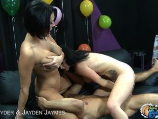 Bubble Assed Dylan Ryder And Jayden Jaymes In Threesome