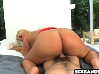 Big Booty Latina Julie Cash Gets Nice Doggystyle 08