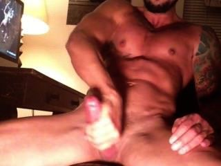 Hot Muscle Wank