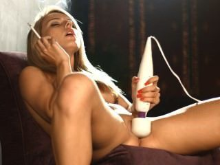 Magic Wand Gives Chloe An Orgasm