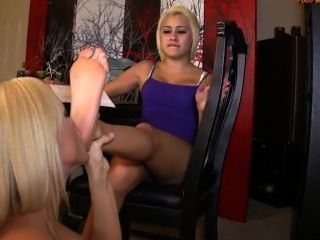 Marina Get Her Feet Worshiped By Sister