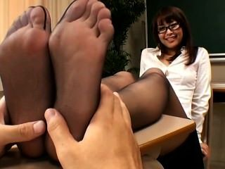 Japanese Feet Tickling