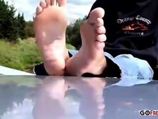 Girl In The Park Shows Off Her Lovely Toes