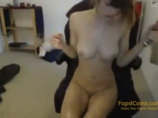 Petite Curvy Stoner Plays With Toys And Hitachi On Webcam! - Fapdcams.com