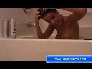 Maria Show Her Tits On Shower Live On 100tipcams.com