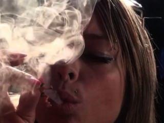 Smoking Giantess At Smokingclips