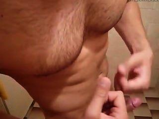 Cam: Hot Hairy Guy