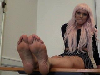 Deadly_size_11_hot_stinky_runway_model_soles