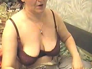 Webcam Muscle Girl Flexing 7