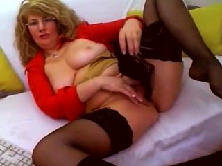 Horny Mature Webcam Self Fist Heel Insertion & Fucks Shoe - Heelslovers@por