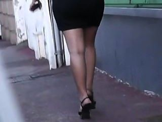 Brune Ronde Jupe Talons Hauts Sexy 2