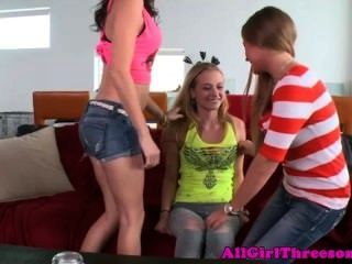 Teen Lesbo Beauties Threeway Get Naughty