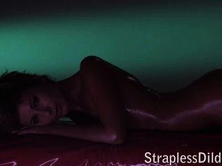 Strapless Dildo Porn Tube Vids On Straplessdildo.hugescock.com