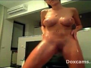 Big Boobs Oiled Teen Dancing Naked