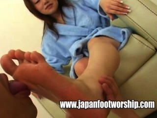 Suck Housewife Bare Feet